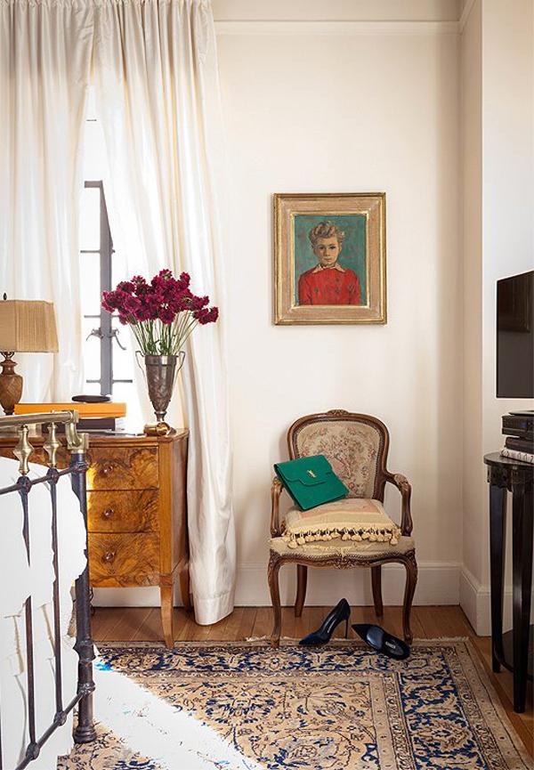 michelle smith apartment bedroom