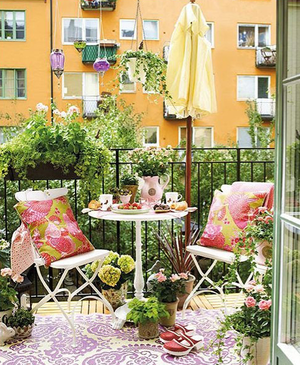 25 Wonderful Balcony Design Ideas For Your Home: Romantic-balcony-gardens