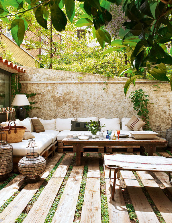 Vintage House With Exact Taste In Barcelona House Design
