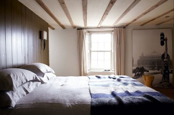 Warm cabin bedrooms for Winter cabin bedding