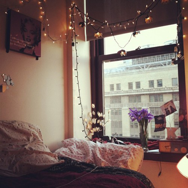 Cool Room Lighting: 20 Cool College Dorm Room Ideas