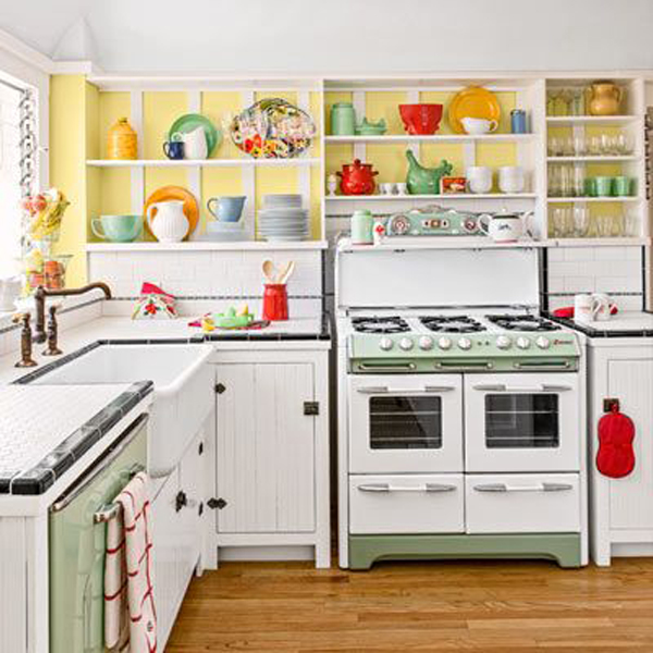 Colorful Retro Kitchen Decor