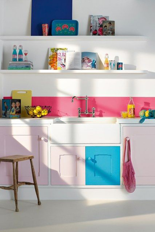 20 colorful kitchen ideas in small spaces house design for Kitchen decoration pink