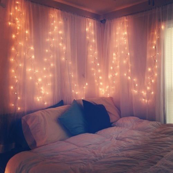 20 best romantic bedroom with lighting ideas house for Room decor with fairy lights