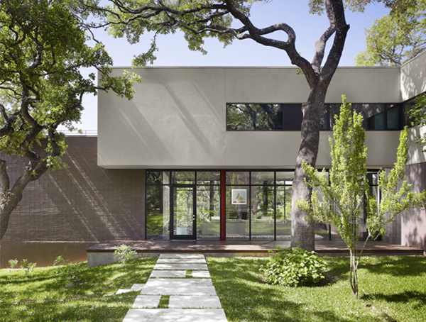 West Lake Hills Residence by Specht Harpman Architects