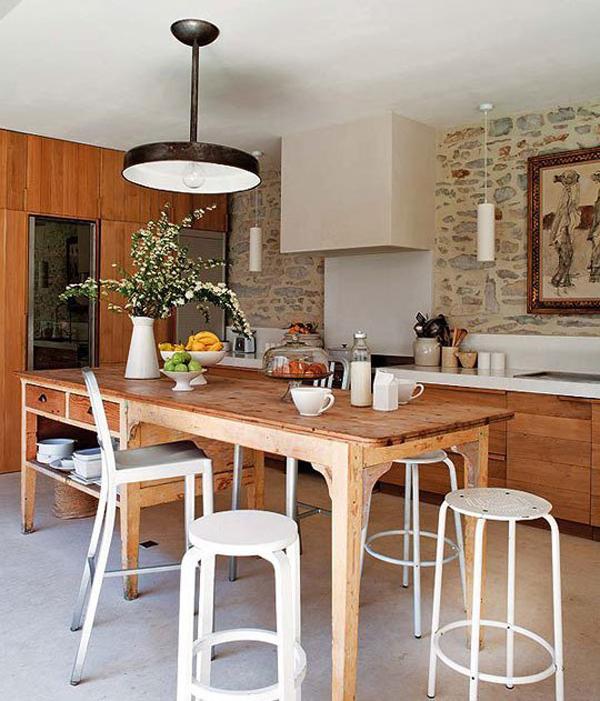 Rustic Spanish Style Sea Island House: Rustic Yet Modern Kitchen Designs
