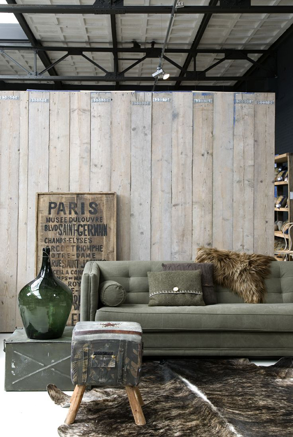 Wooden industrial living room decor for Industrial living room ideas