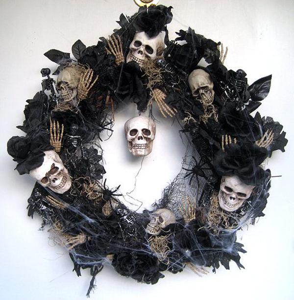 Scary-halloween-wreaths
