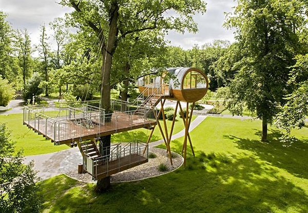 Treehouse World of Living by Baumraum