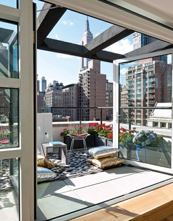 Focusing On Views With A Modern Addition To An Old House: 10 Small Balcony With Amazing Views