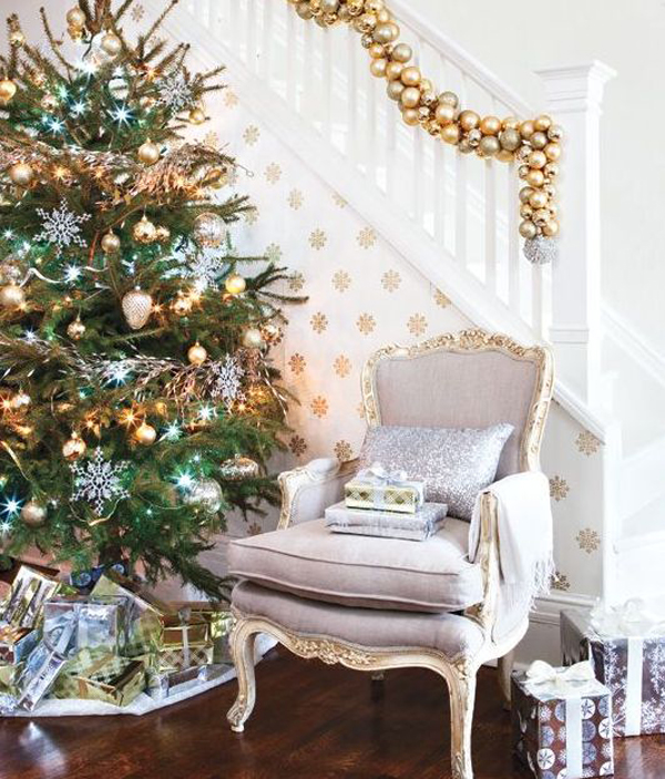 Gold-christmas-stair-decoration