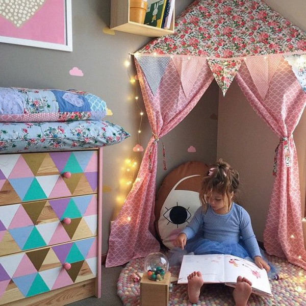 Girly kids reading corners for Kids reading corner ideas