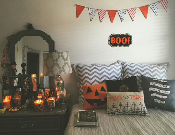 Autumn Halloween Bedroom Decor