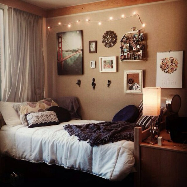 Cool dorm room decor ideas for Hall room decoration ideas
