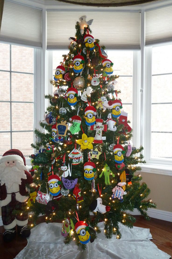 minion christmas tree decorations