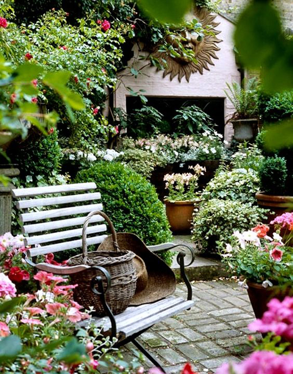 17 shabby chic garden for romantic feel house design and for Landscape decor ideas