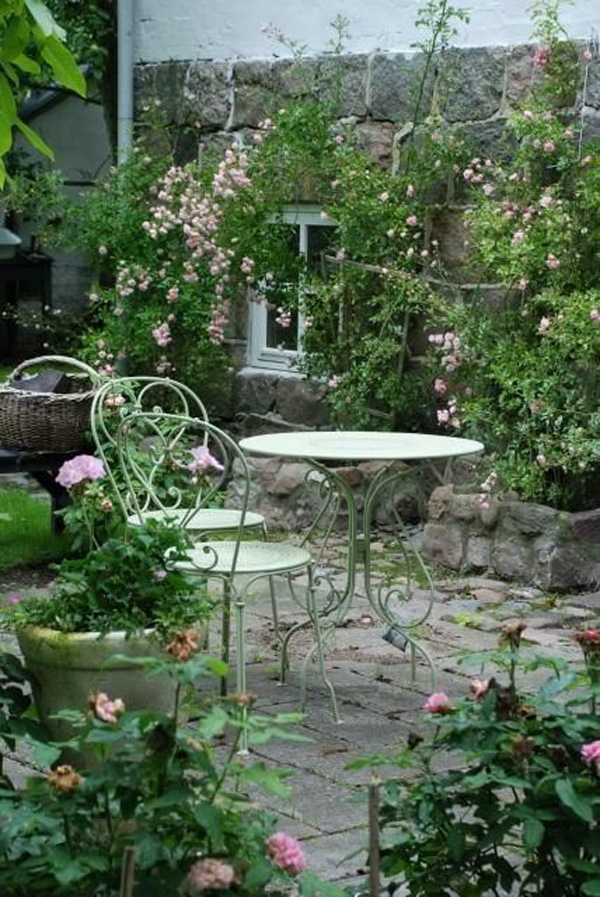 17 Shabby Chic Garden For Romantic Feel | House Design And ... on Chic Patio Ideas id=28989