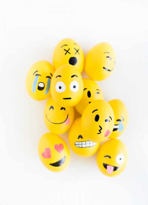 Diy Emoji Easter Egg Decor Ideas