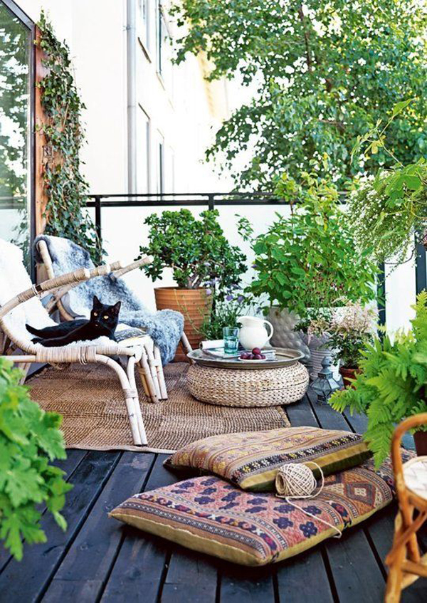Small And Cozy Bohemian Outdoor Spaces | House Design And ... on Bohemian Patio Ideas id=67696