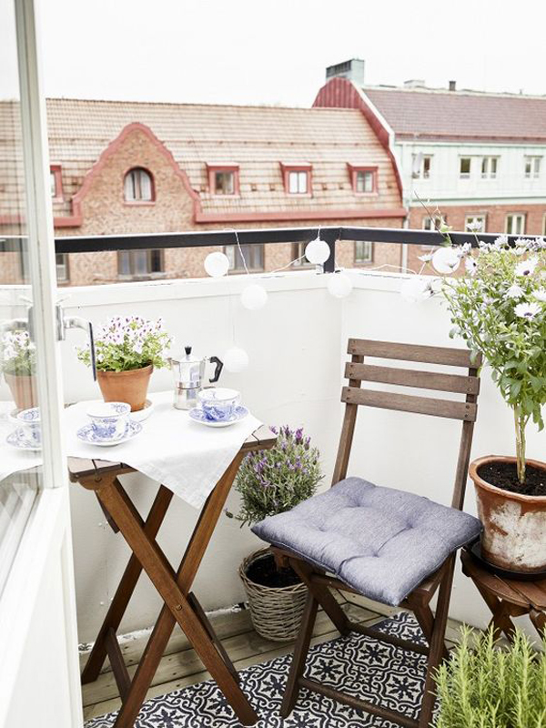 15 small balcony apartment with charming looks house for Apartment porch decorating ideas