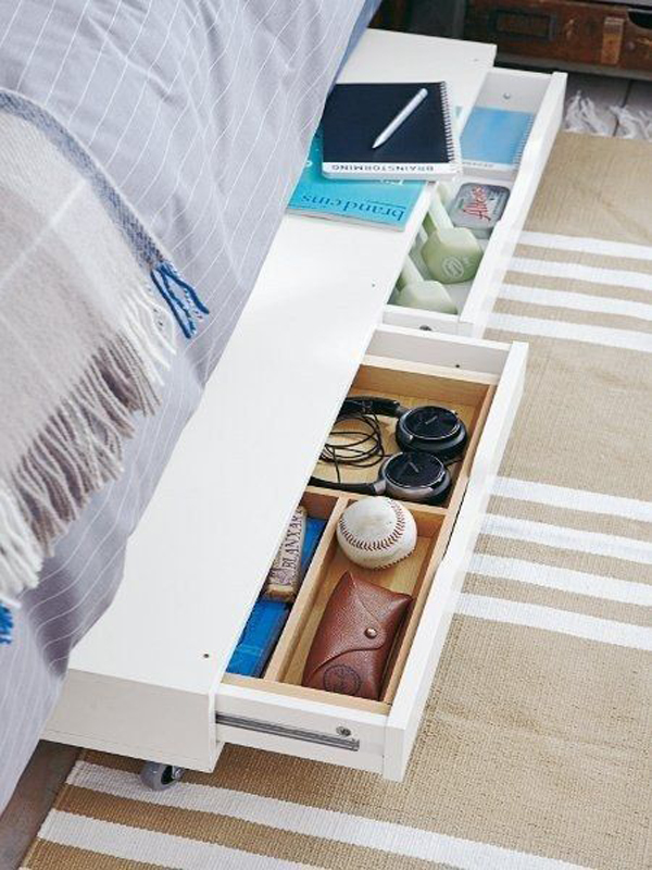 17 genius under bed storage ideas for tiny bedroom house - Camas con cajones debajo ...