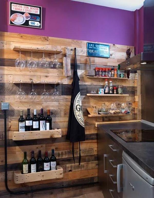 Amazing pallet wine racks for Pallet wine bar
