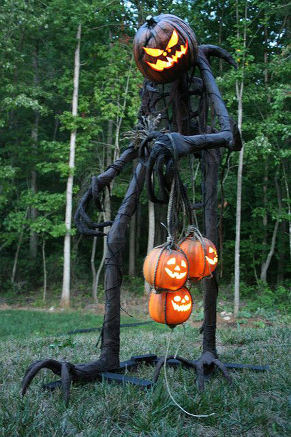 25 Freaky And Creepy Halloween Yard Decorations | House ...