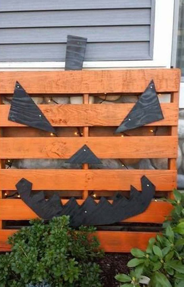 20 Cheap and Creative Halloween Decor from Reclaimed Wood ...