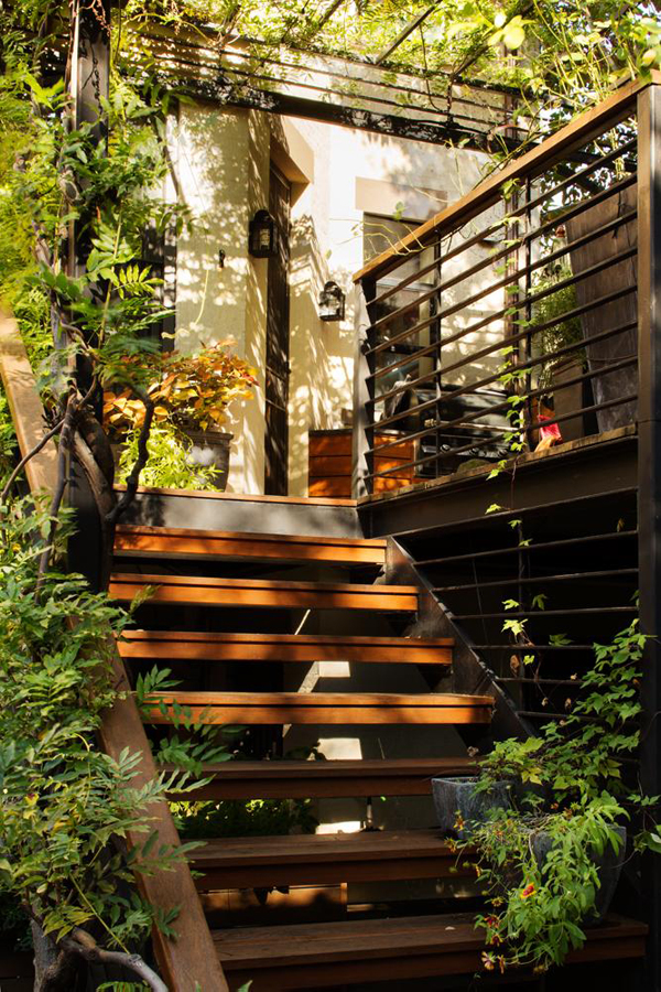 Amazing Over The Deck With Extra Gardening Space | House ... on Backyard Patio Steps id=86564