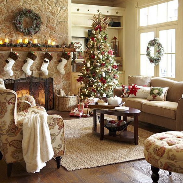 Impress Guests With 25 Stylish Modern Living Room Ideas: 25 Awesome Christmas Living Room Ideas