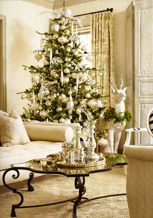 25 Awesome Christmas Living Room Ideas   House Design And Decor