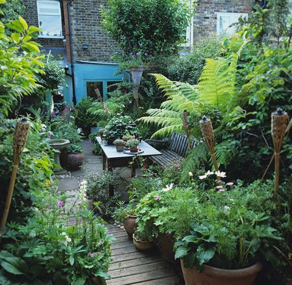 22 shady and fresh gardens to urban jungle ideas house for Decoration urban jungle