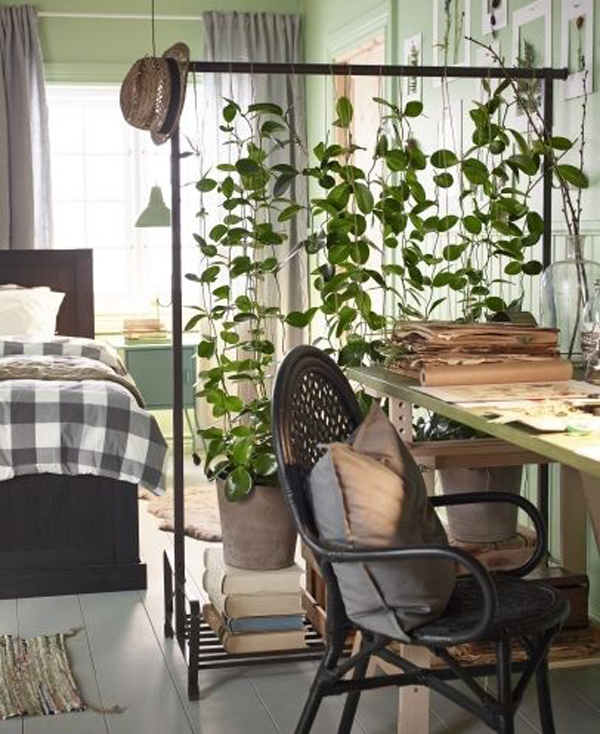 15 natural plant wall ideas for room dividers house for Homemade room divider ideas