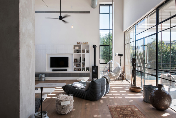 Savion Residence with Industrial Chic Vibe | House Design ...