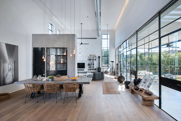 Savion Residence with Industrial Chic Vibe