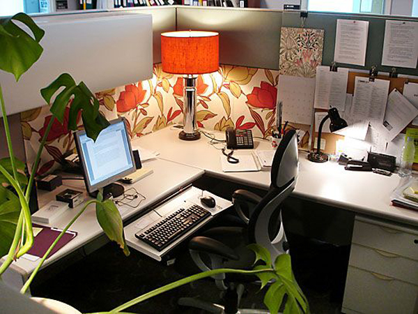 20 creative diy cubicle workspace ideas house design and decor - Cubicle planters ...