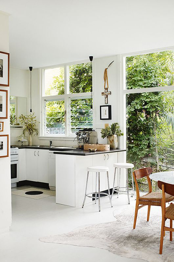 10 Mesmerizing Indoor-Outdoor Kitchen for Summers   House Design ...