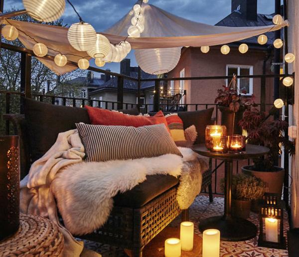 63 Cozy Apartment Balcony Decorating Ideas: 18 Cozy And Romantic Balcony Ideas