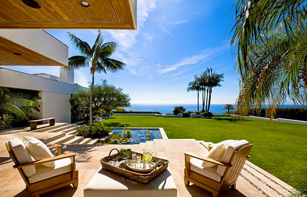 Simon Cowell Malibu Mansion With Pacific Ocean View
