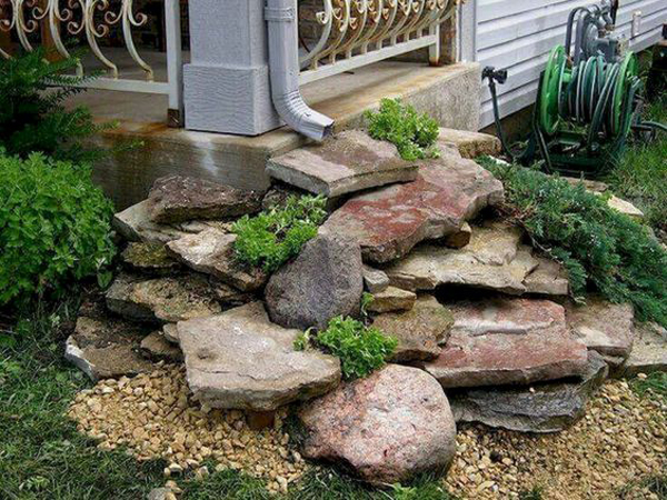 42 Nature-Inspired Drainage Garden To Looks Beautiful