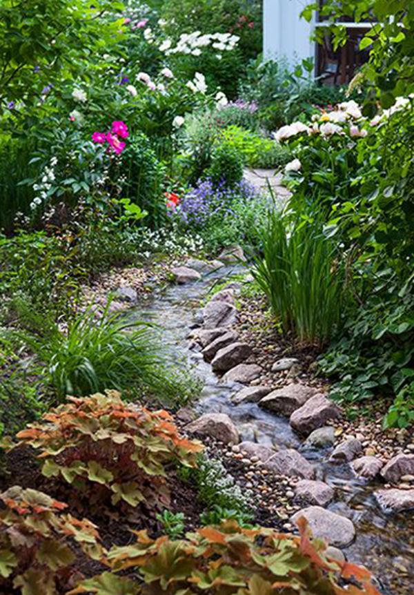 42 Nature Inspired Drainage Garden To Looks Beautiful