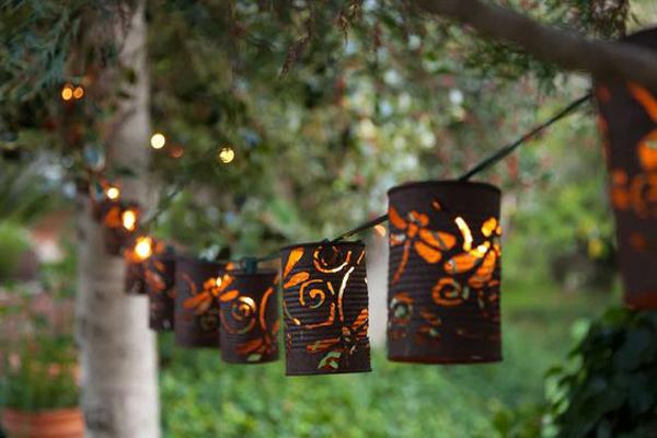 30 Beautiful DIY Garden Lantern Ideas To Your Outdoor Lights