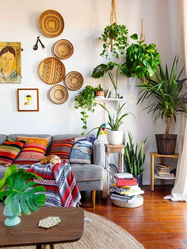 Small Boho Living Room: Small-boho-living-room-with-wall-art-ideas