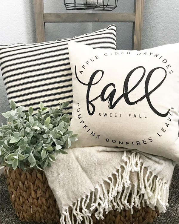 25 Amazing Handmade Fall Pillow Ideas To Complete Your Decor
