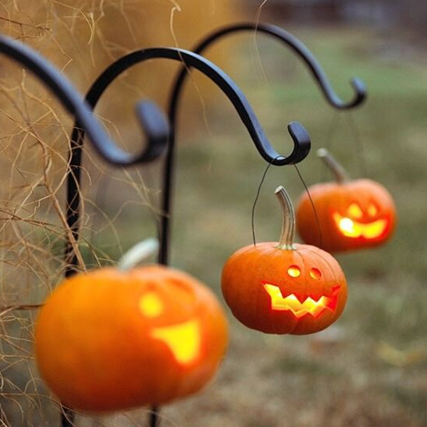 20 Easy DIY Halloween Lantern Ideas That Make Creepy Atmosphere