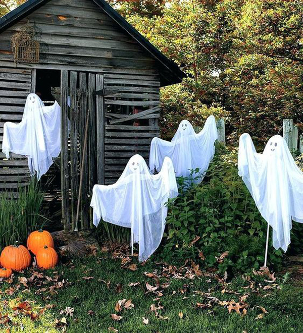34 Halloween Decor Ideas That Scary In Backyard