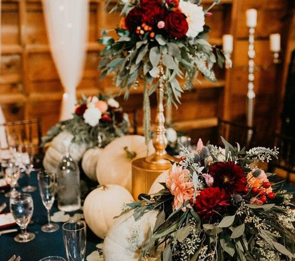25+ Romantic Fall Centerpieces For Your Wedding Day