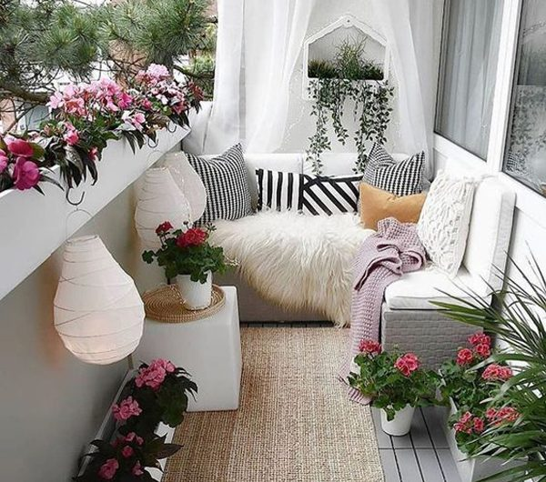 7 Beautiful Ways To Enhance Your Apartment Balcony
