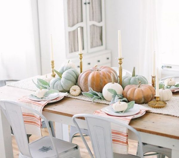 20 Gorgeous Thanksgiving Tablescapes With Farmhouse Style