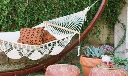 backyard-hammock-decor-with-boho-inspired